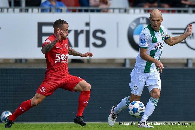 Robben terug op Nederlandse voetbalvelden na rentree in Almere